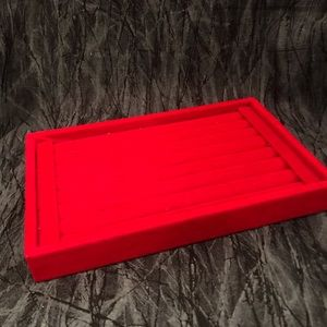 Red ring display tray
